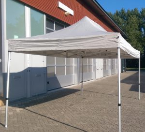 easy up 3x4,5m tent