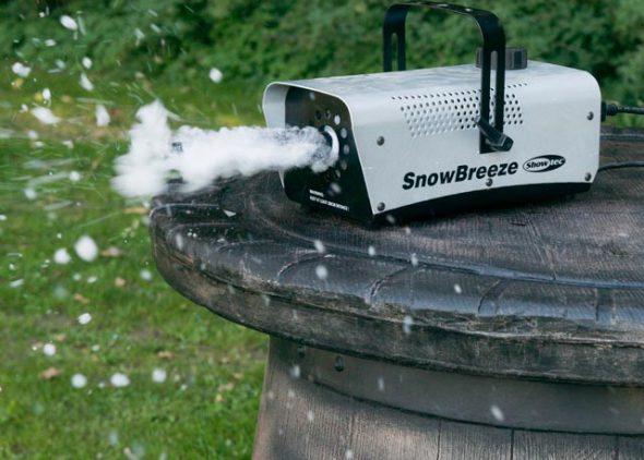 Sneeuwmachine actiefoto huren - Partytentverhuur Dordrecht